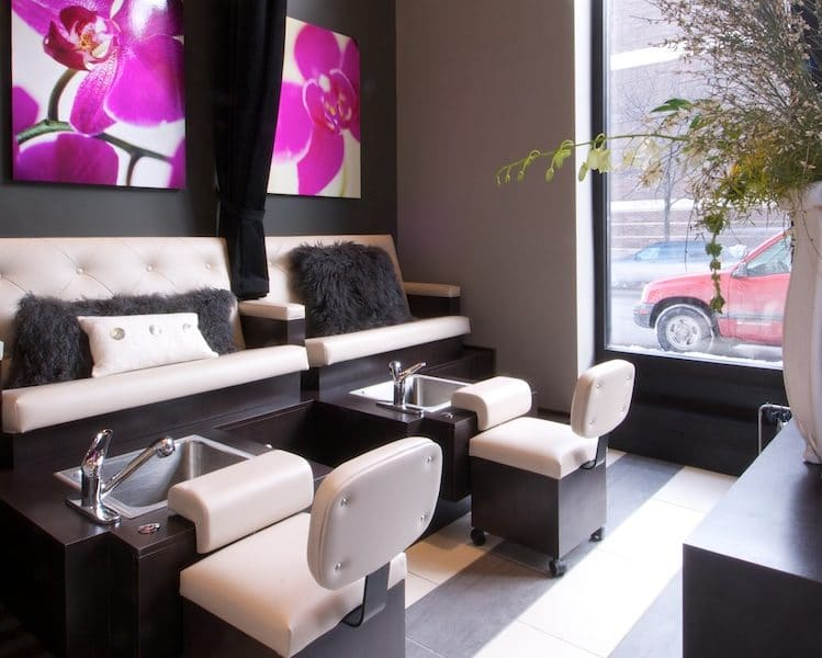 http://Pedicure%20Stations